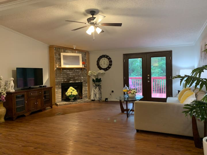 Charming 3 BR home for unbelievable price!