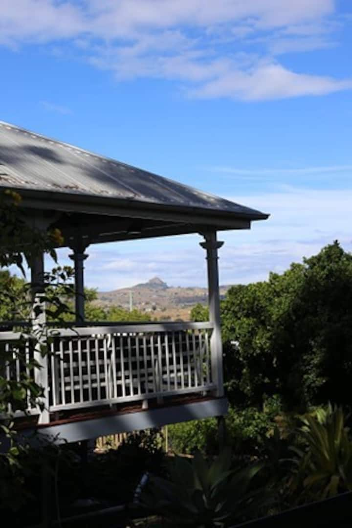 Stunning Queensland with views to border ranges.