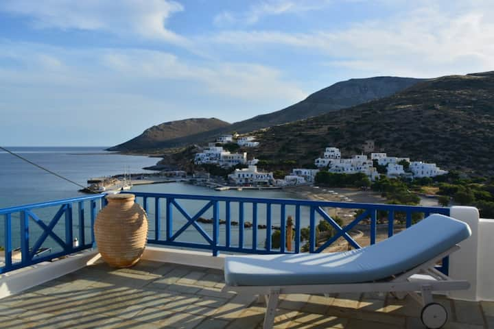 SIKINOS, THE BEST VIEW AT THE 'PEARL OF CYCLADES'