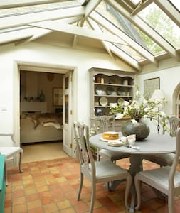 As featured in 25 Beautiful Homes - Cottage for 2