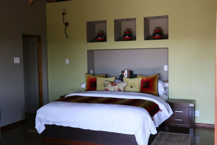Matingwe Lodge Luxury Room