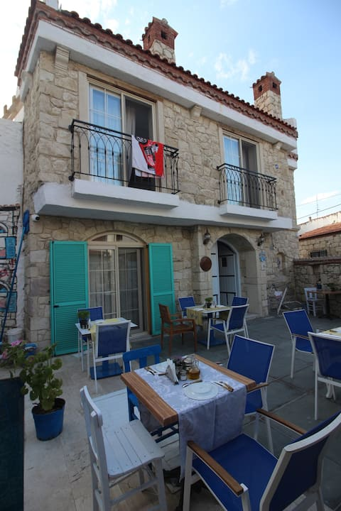 1876 GREEK BOUTIQUE HOUSE IN ALACATI
