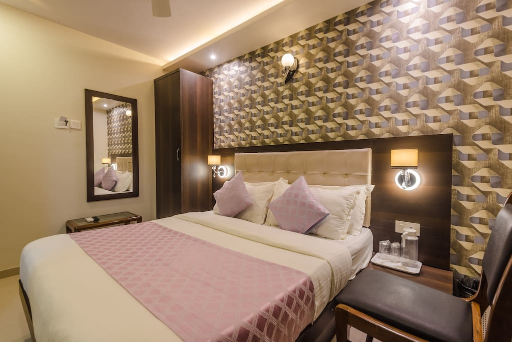 Room For Rent In Mumbai For Couples