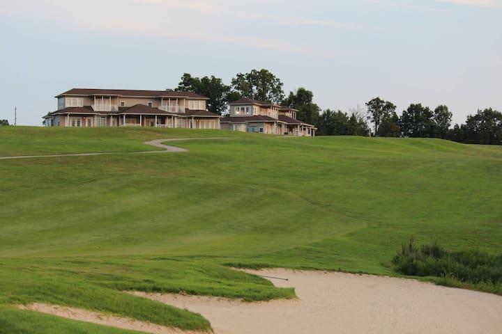 RiverWatch Golf Club Villa Upstairs 181-5
