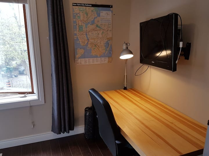 Private Room in Female Residence Steps to U Ottawa
