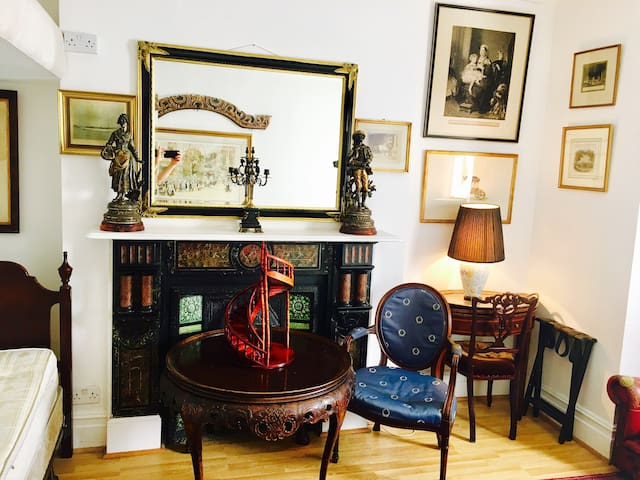 Quality & value accommodation near Notting Hill__