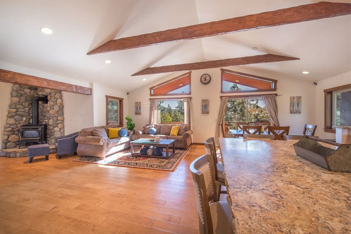 New Listing! Beautiful & Updated in Tahoe Donner