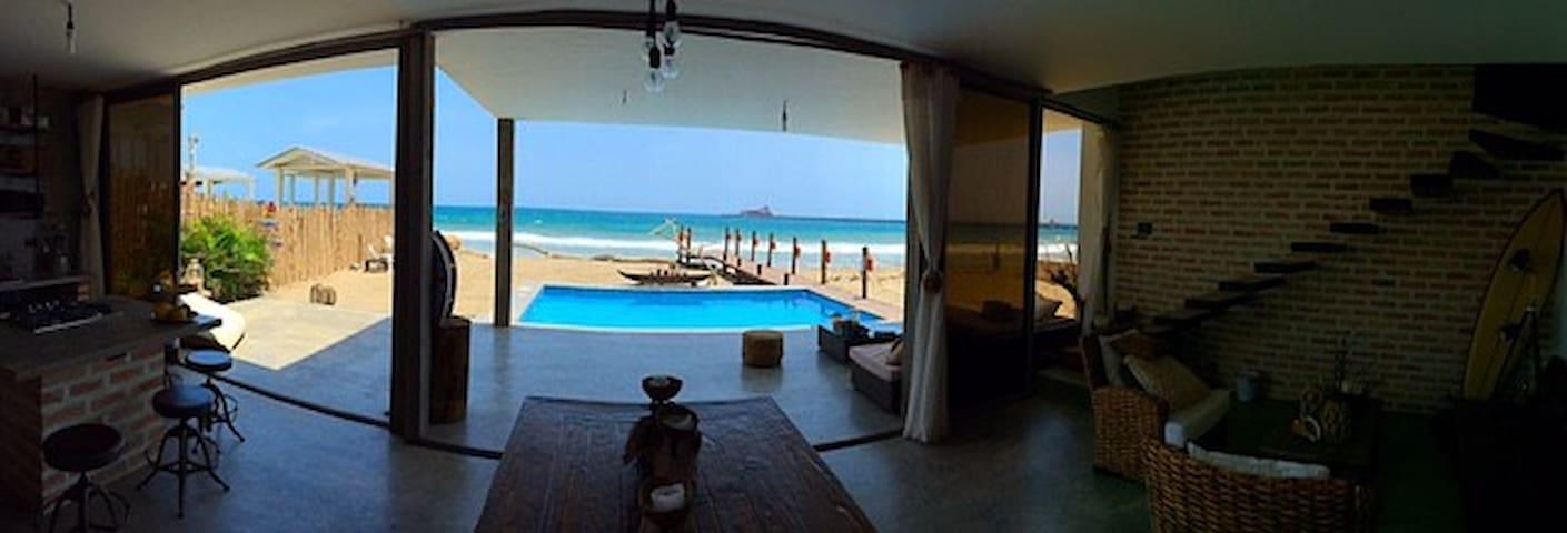 Pacoa ,casa al pie del mar,San Pablo, Punta blanca