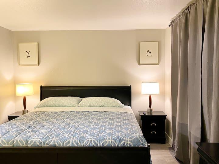 3 bedroom 2 bath close to strip Clean Sleep 6 (L3)