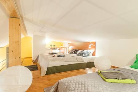 ****** BIG in BEST AREA up to 24per - Prague - Apartment