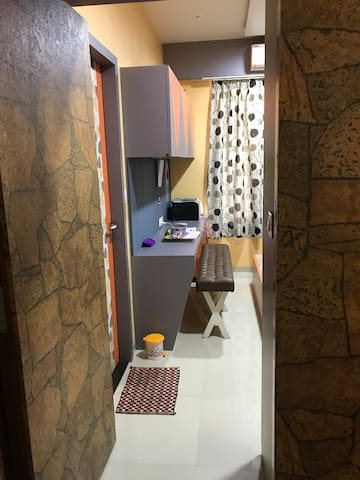 Peaceful stay in centre of Textile & Diamond city