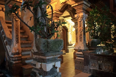 Luxury Balinese Guest House @Sania's Bungalow - Ubud