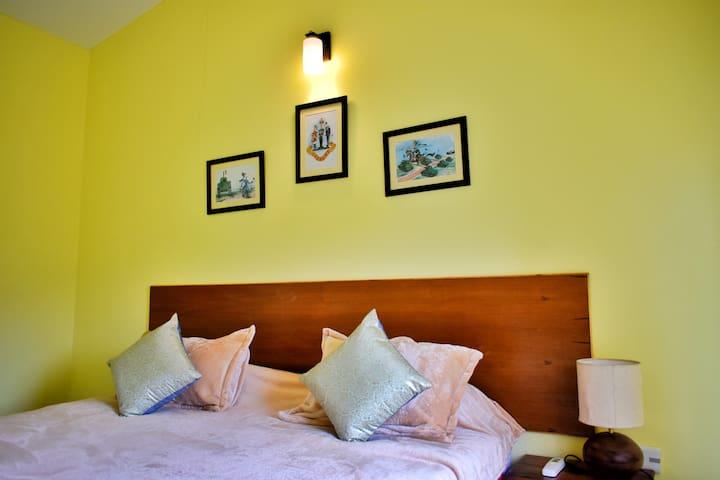 Colonel's Quarters, Dehradun - Double/Twin Bedroom