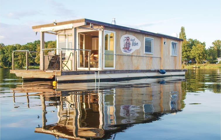Houseboat with 2 bedrooms on 38m² in Havelsee