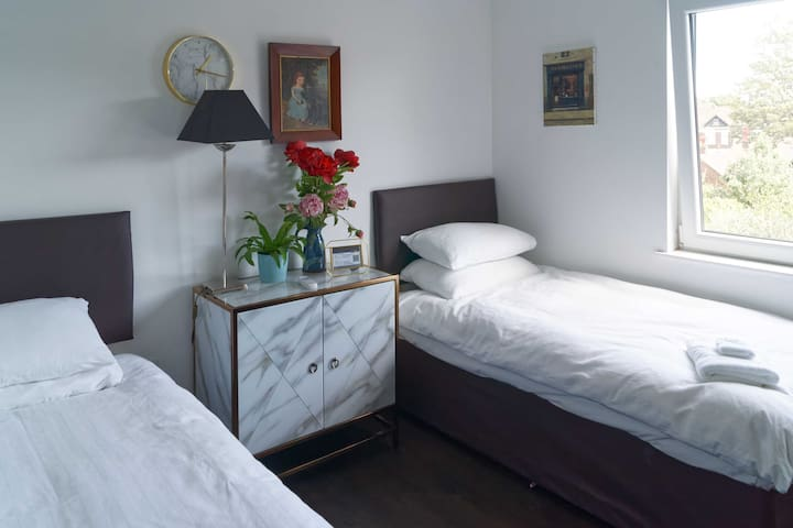Comfortable rooms in  refurbished Edwardian House.