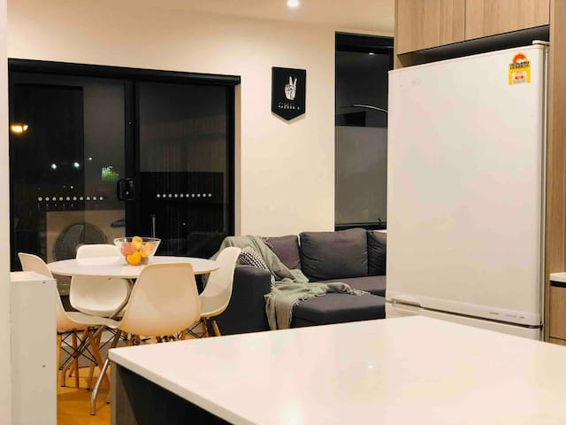 Designer room near RMIT Bundoora