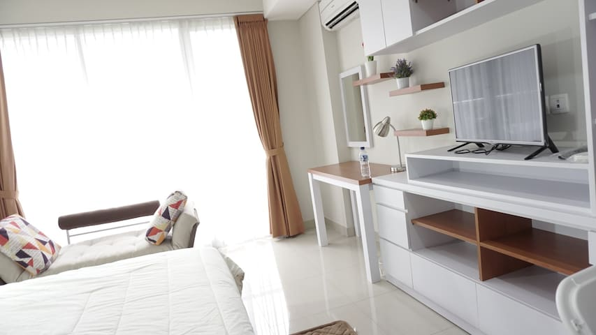 Bright Cozy Studio Apt Dago Premium Location - Bandung - Apartment