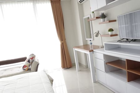 Bright Cozy Studio Apt Dago Premium Location - Bandung