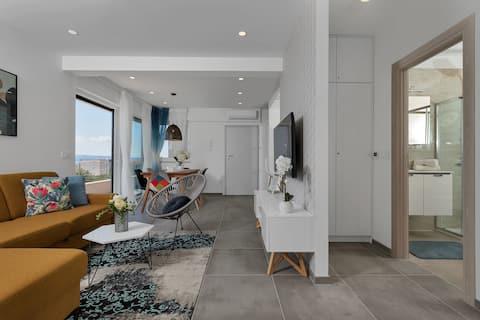 Charming Apartment Tissa with sea view