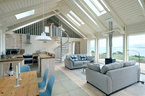 Waterside cottage with stunning views
