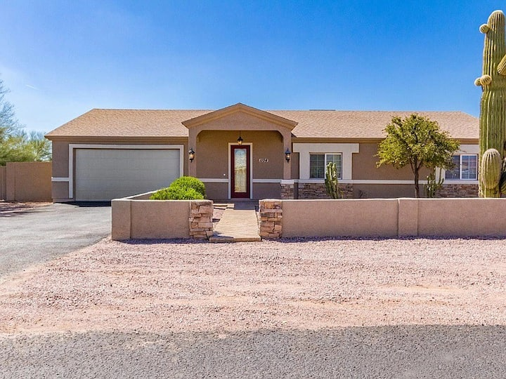 Sanitized 5 BD Quiet Home, Back Oasis, Nearby Mtns