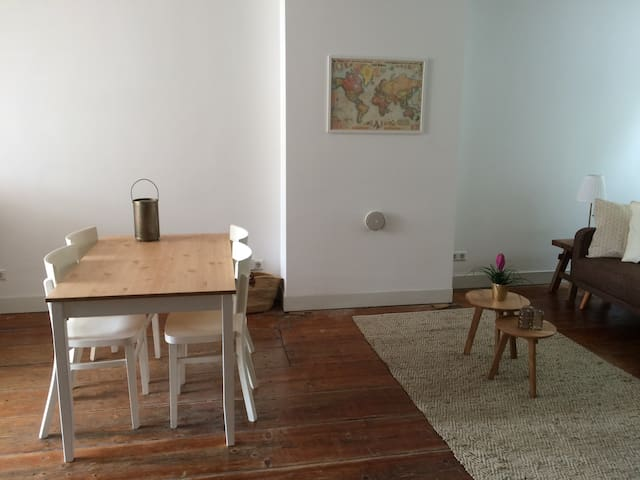 Great central apartment with canalview! - Ámsterdam - Bed & Breakfast