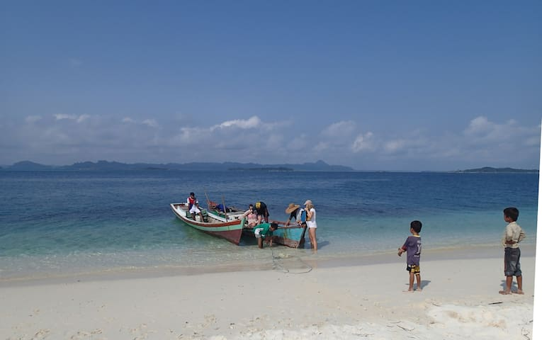 Hutte pour 1 couple, full pension - Banyak Island - Hut