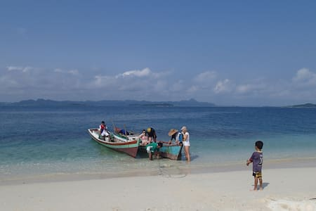 Hutte pour 1 couple, full pension - Banyak Island - 小屋