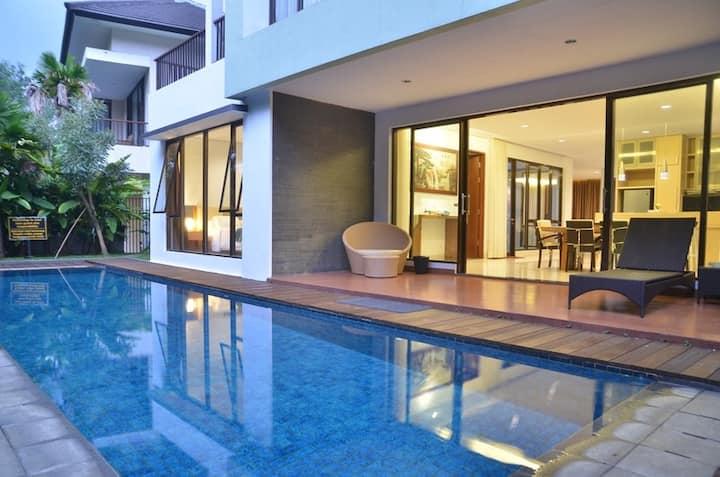 4 BR Villa Dago Pakar 47 + Private Swimming Pool