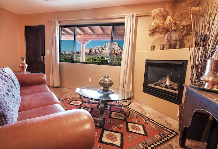 Striking Red Rock Views, Pvt 1BR Suite #6