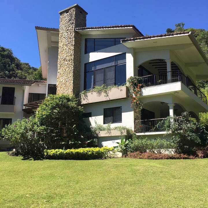 Luxury Home at Valle Escondido, Boquete