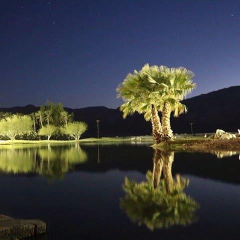 Lago Vista Ranch: Desert Trip Festival Lodging - Thermal - Ház