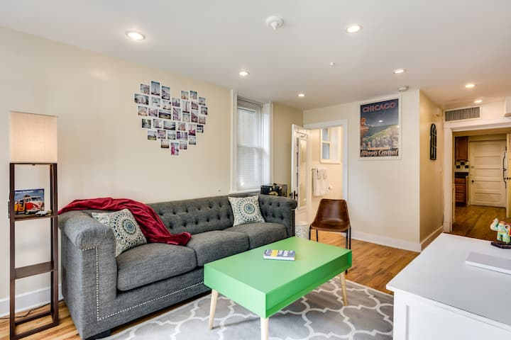 Classic 2 Bedroom Roscoe Village Apartment Apartments For Rent In Chicago Illinois United States