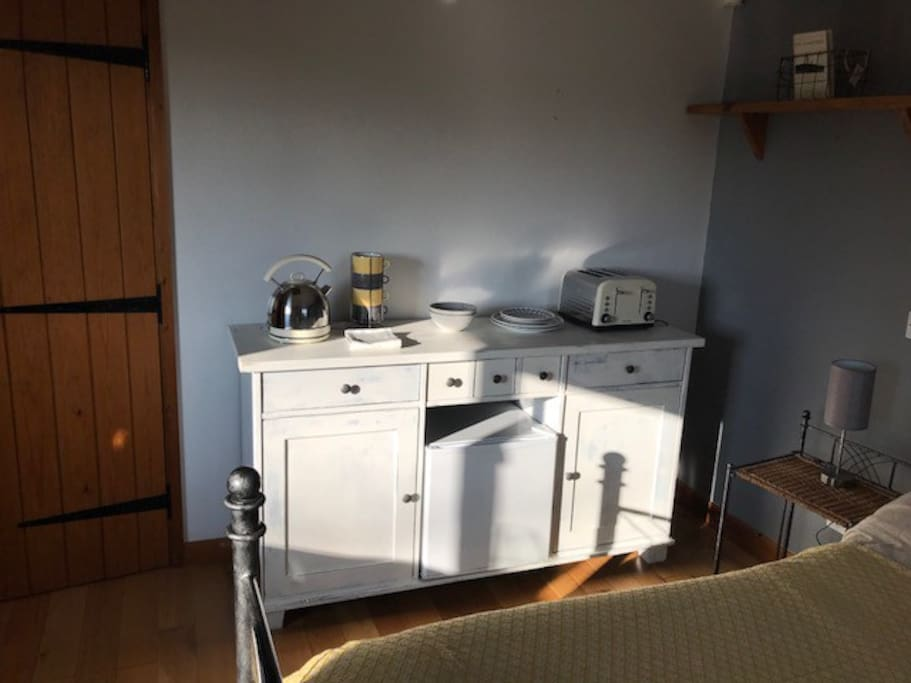 Toaster, kettle and fridge for all your breakfast needs. A continental breakfast is included in your stay
