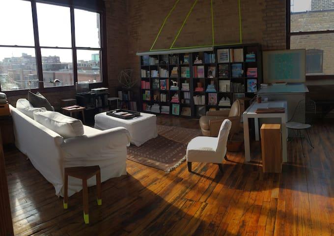 Huge open timber artist loft, Fulton Market - Chicago - Loft