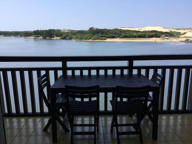 T3 duplex au pied du lac marin