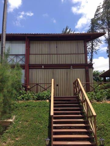 Espaço e Conforto em Guará - Guaramiranga - บ้าน