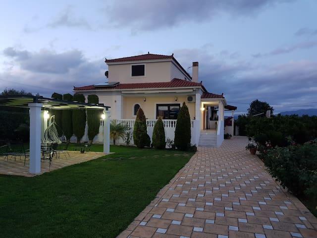 Ξενώνας στο Αργος,10 λεπτά απο το  Ναύπλιο