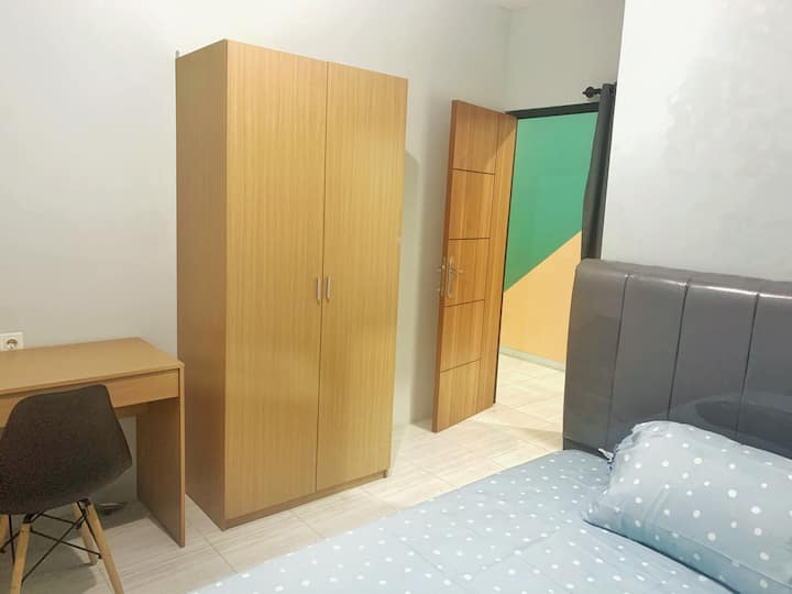 Comfort Room behind Summarecon Mall Serpong