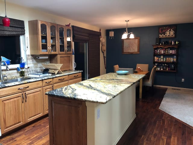Conveniently located, pet friendly family home