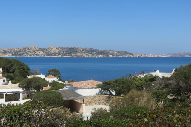 Villa 100 metros del Mar ... !!! - Punta Sardegna - Villa