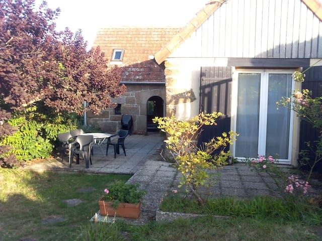Maison typique de pêcheur - Trébeurden - Huis