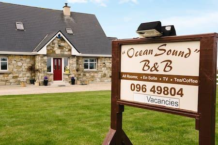 Ocean Sound B & B Twin room