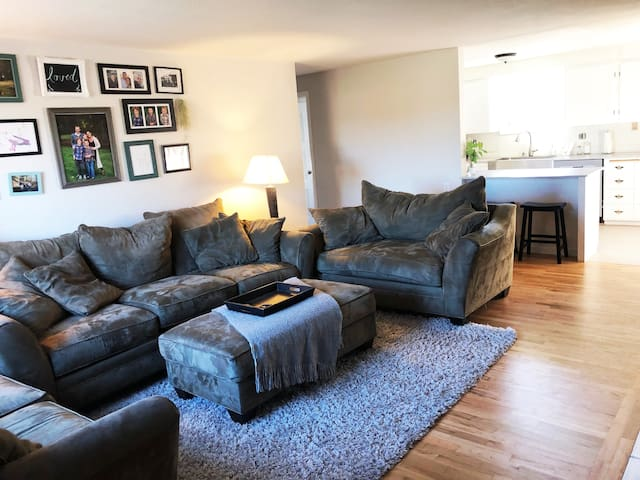 Cozy & Updated Home: Olympic Trials Destination!