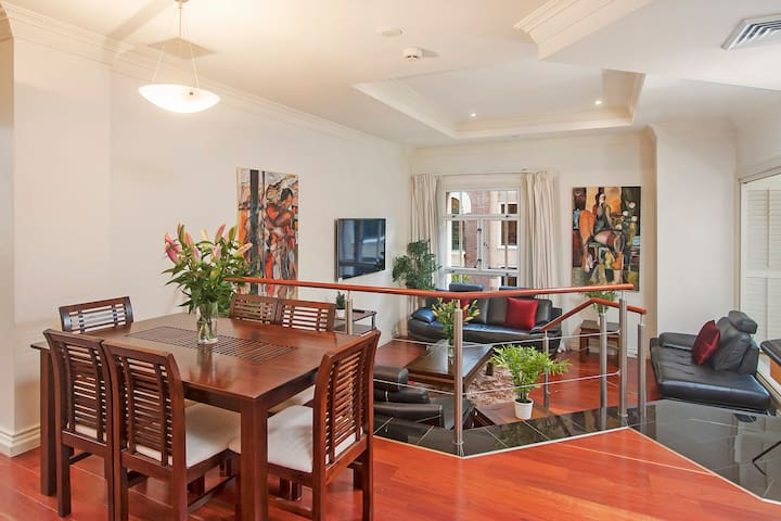 2Bed 2Bath Luxury Brisbane City Apartment