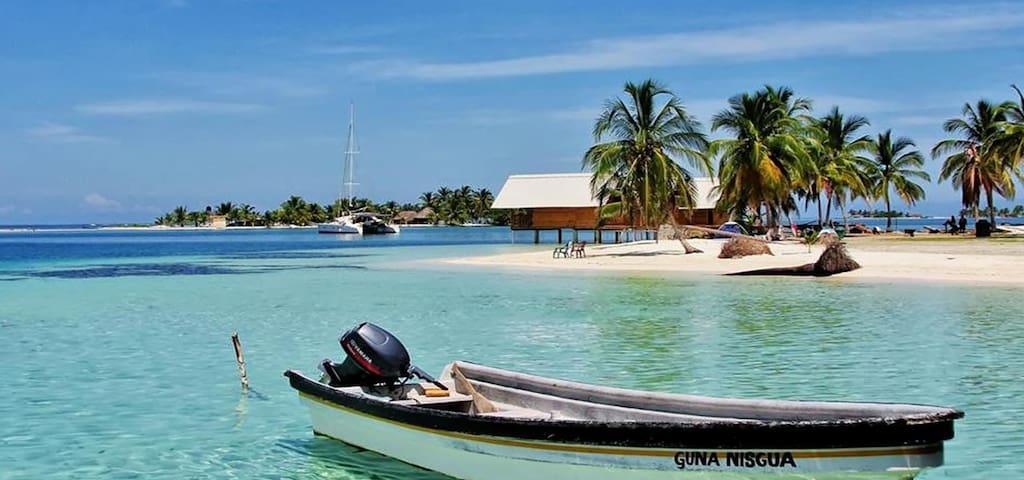 Isla Wailidup, San Blas - Panama, with pristine water to snorkel