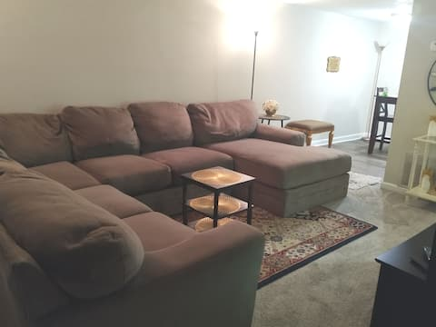 Entire Apartment Townhome..Minutes from Airport!
