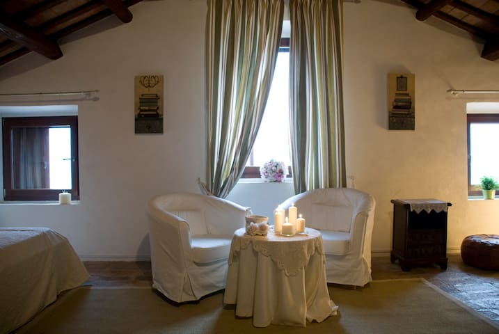Relax Natura Country House I Lauri - Montefiore dell'Aso - House