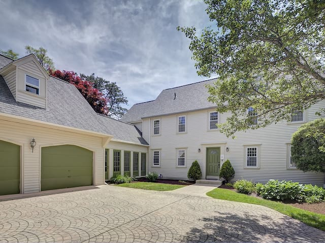 Spacious house with easy access to Cape Cod Bay.