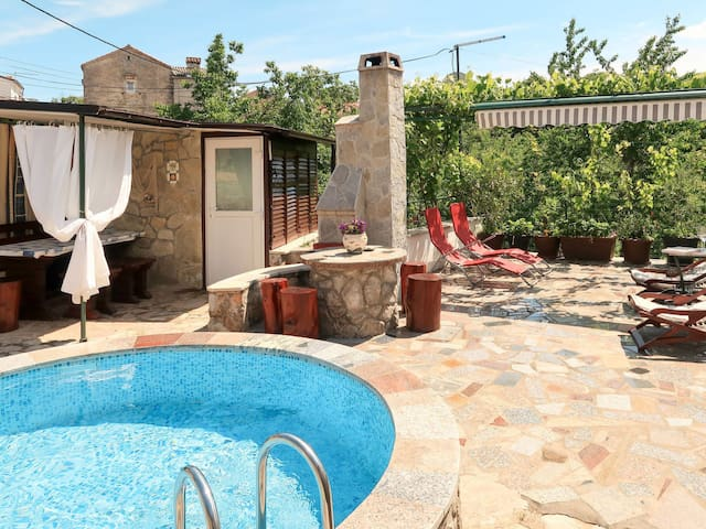 Holiday House Margeta for 6 persons in city of Krk